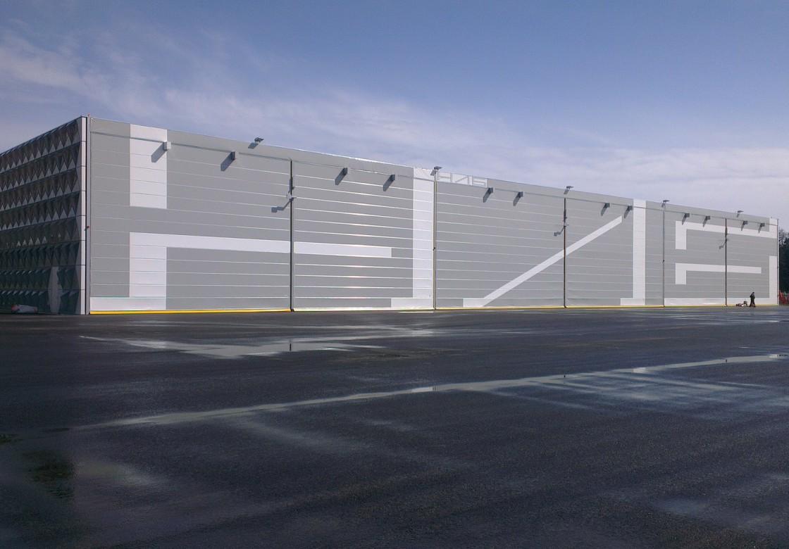 portes par type d industrie portes de hangar et portes. Black Bedroom Furniture Sets. Home Design Ideas