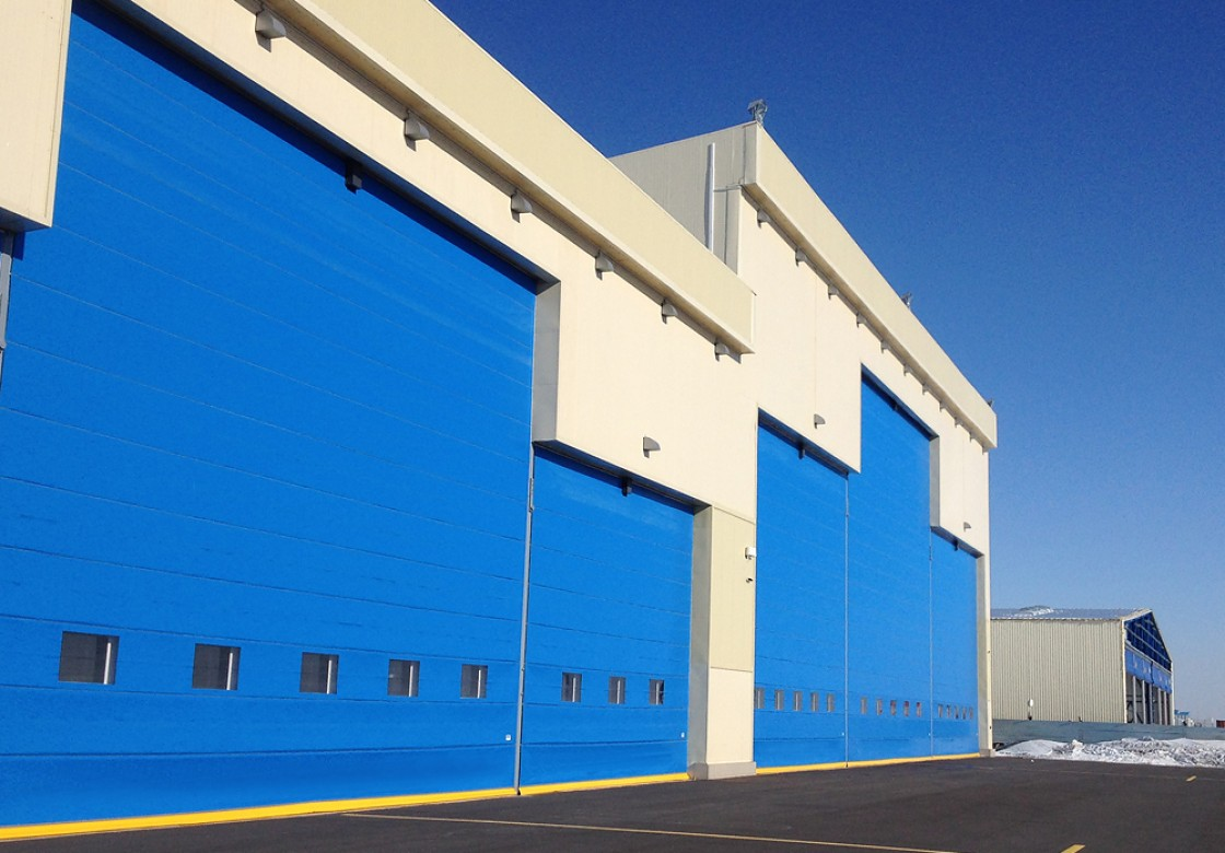 portes de hangar d 39 aviation portes de hangar et portes industrielles. Black Bedroom Furniture Sets. Home Design Ideas