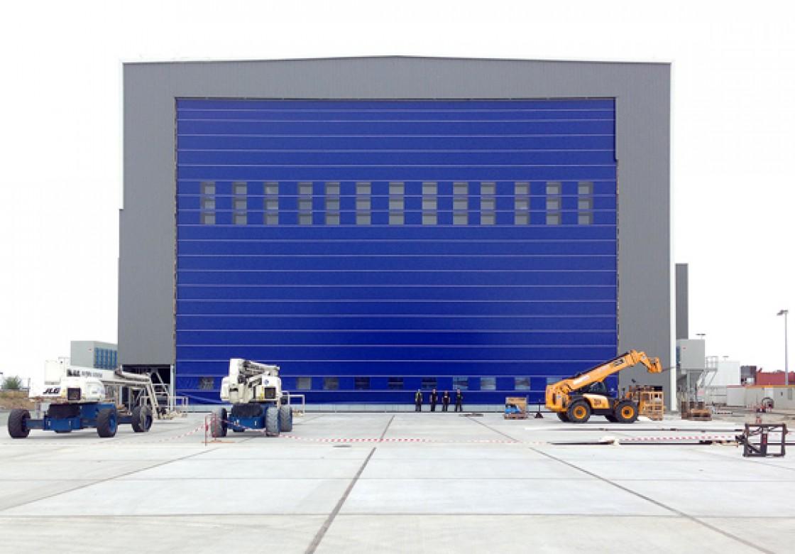grandes portes pour chantiers navals et ports portes de. Black Bedroom Furniture Sets. Home Design Ideas