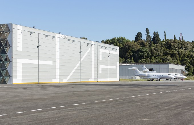 Cannes hangar door 2