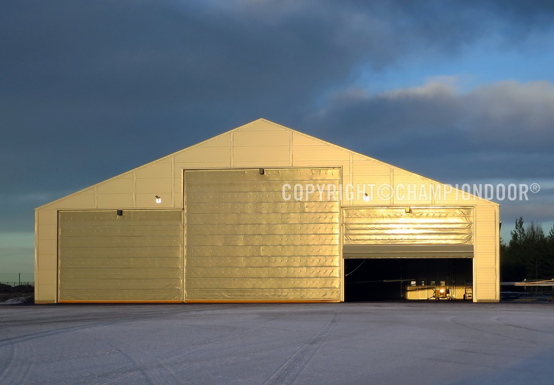 portes de hangar d 39 aviation nk4 warm hangar door. Black Bedroom Furniture Sets. Home Design Ideas
