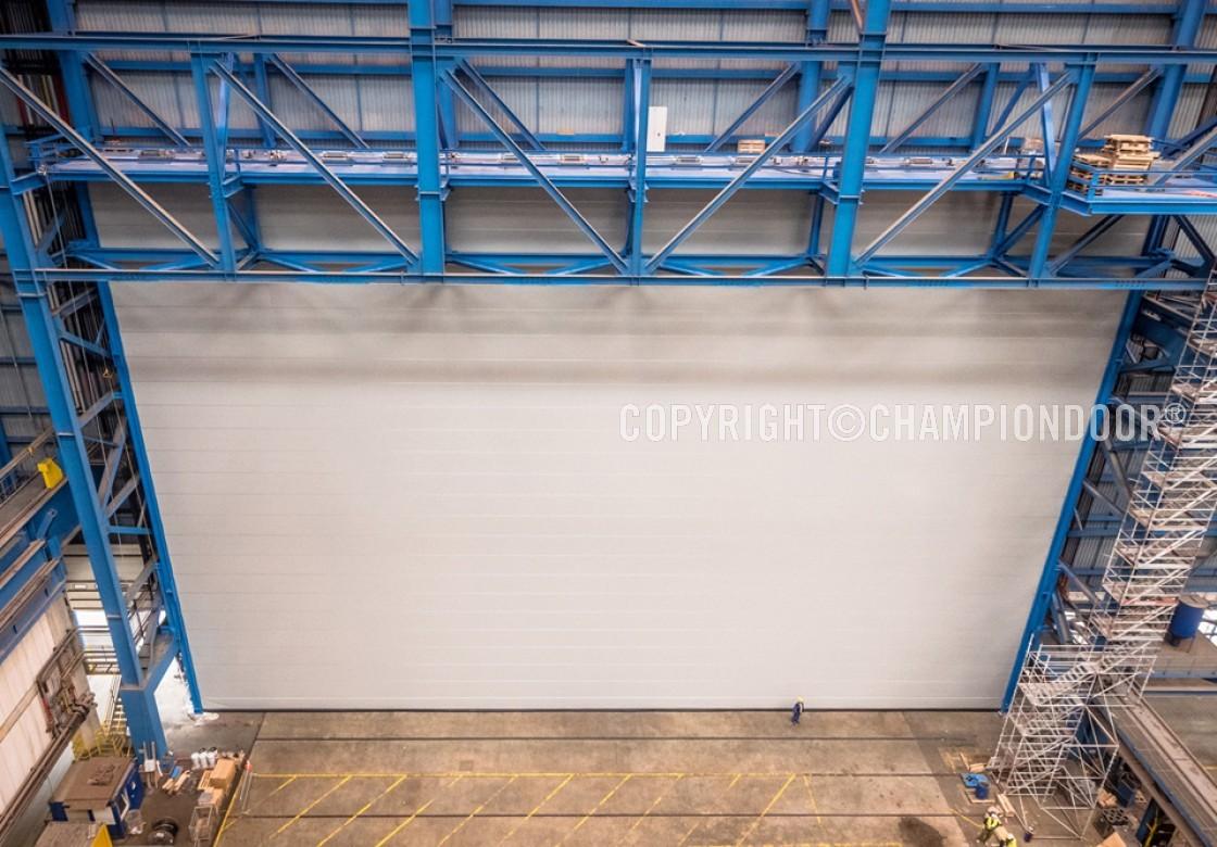 NK2 Double shipyard door & Shipyard doors and harbour doors for high wind conditions - Large ...